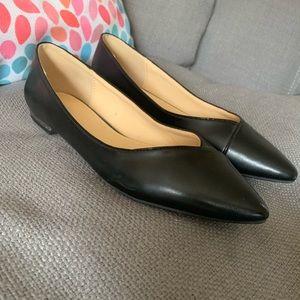 Liz Claiborne Black Leather Flat, Size 10